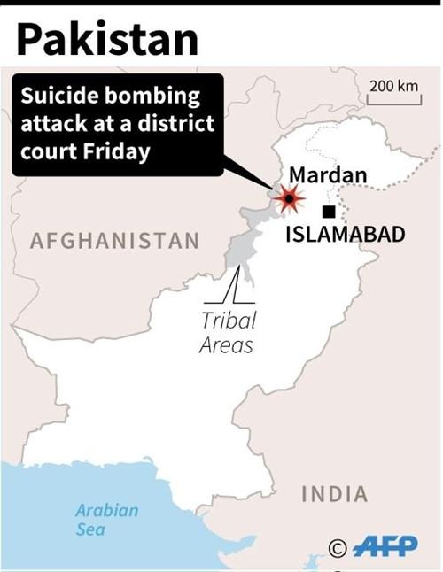 13 dead dozens wounded in Pakistan court blast: police