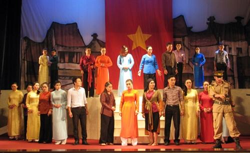 Ninh Bình hosts traditional opera festival