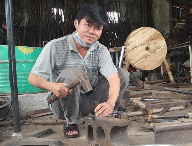 Blacksmithing lives on in Hue