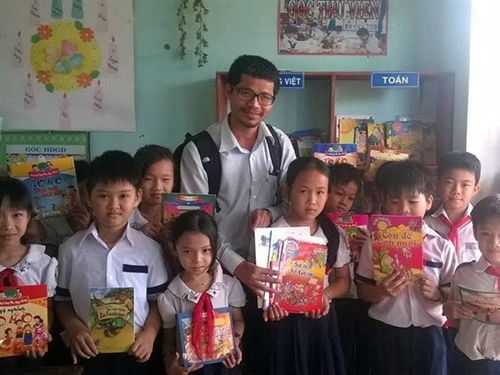 Getting country children reading