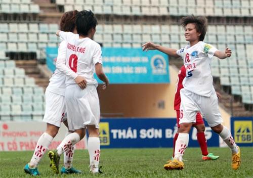 Hà Nội 1 jump to top after win