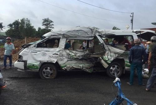 Six killed in tragic road accidents