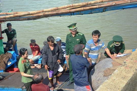 Foreign fishermen rescued from central waters