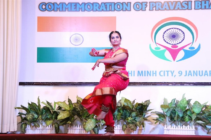 City Indian consulate celebrates with expat community