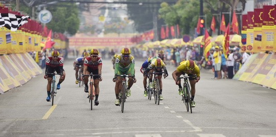 Minh wins green jersey at Bến Tre cycling event