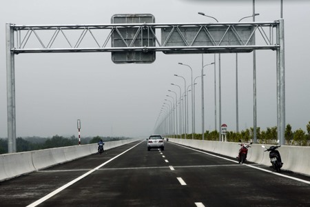 Motorbikes allowed on slip road at southern expressway
