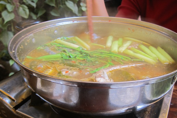 A taste of southern cuisine: kèo fish hotpot