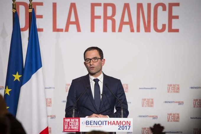 French Socialists nominate leftwinger Hamon for president