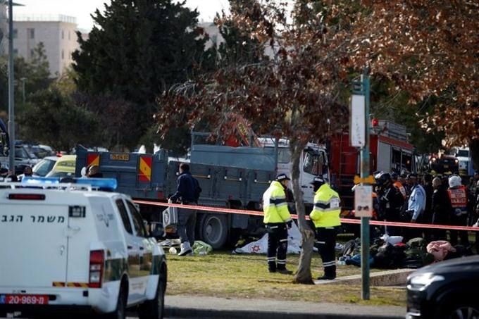 Truck-ramming attack kills four Israeli soldiers
