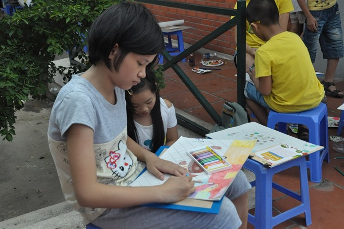 Children learn nutrition through painting
