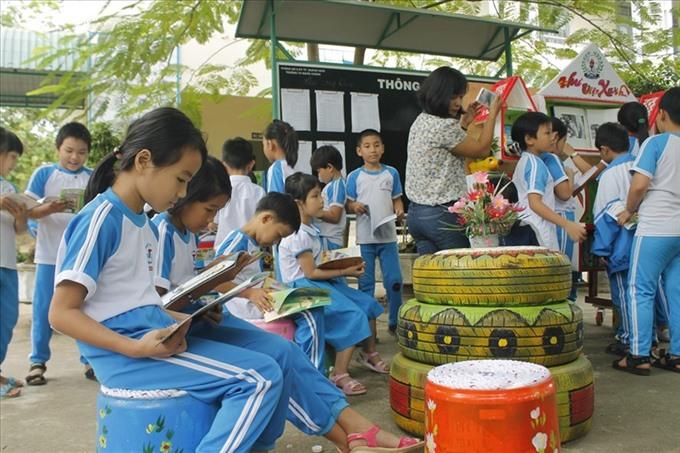 Kids enjoy reading as an outdoor sport