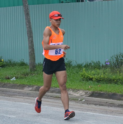 Ngưng wins eighth walking title at national champs