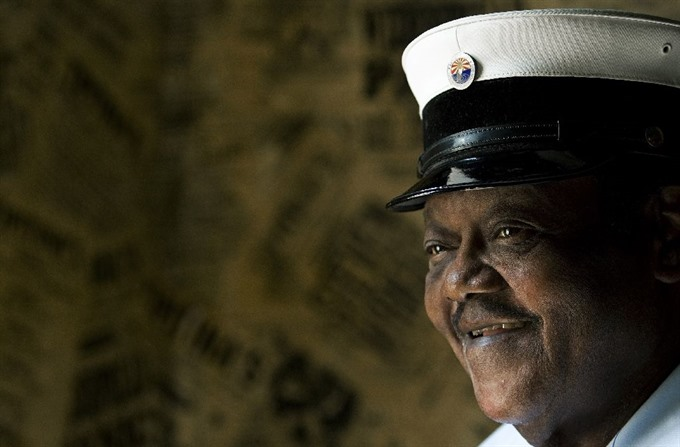 Fats Domino boogie-woogie pianist who pioneered rock dead at 89