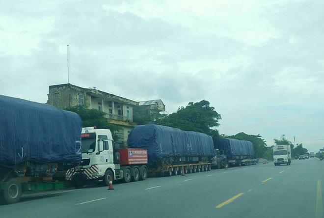 Four Cát Linh-Hà Đông trains arrive in Hà Nội