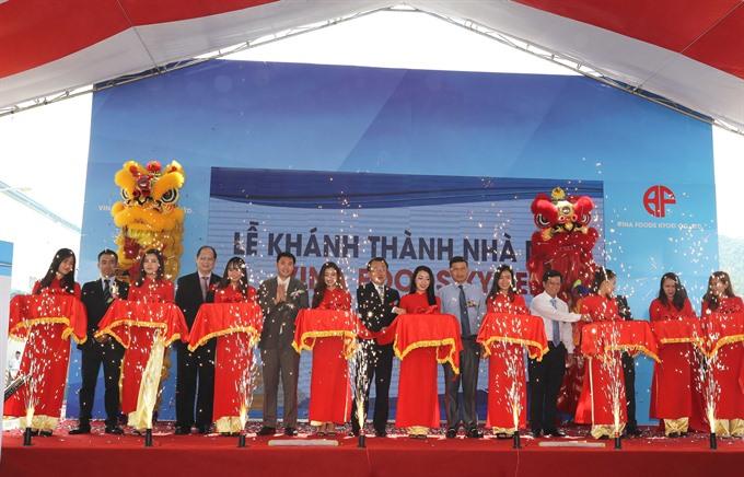 Fried dough plant opens in Đà Nẵng