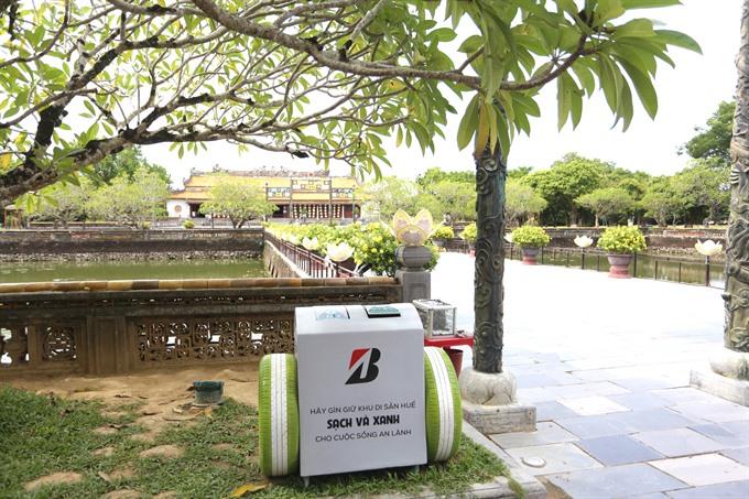 Bridgestone Vietnam promotes a trash-free Hue