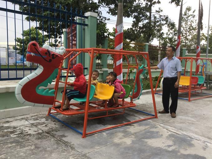 More public kindergartens open in industrial parks
