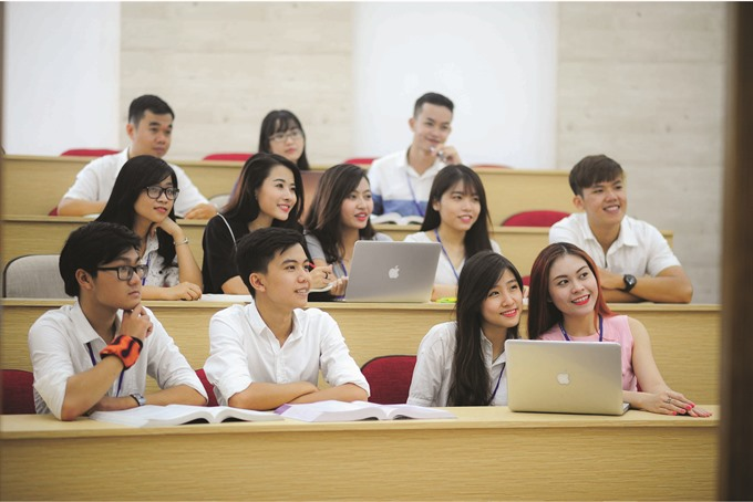 HCM City unis use intl training