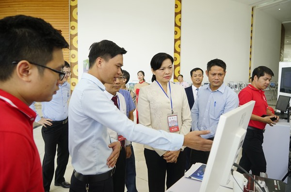 Officials urge Viet Nam to focus on IT