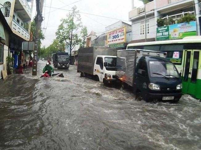 Flood warning installed in HCMC
