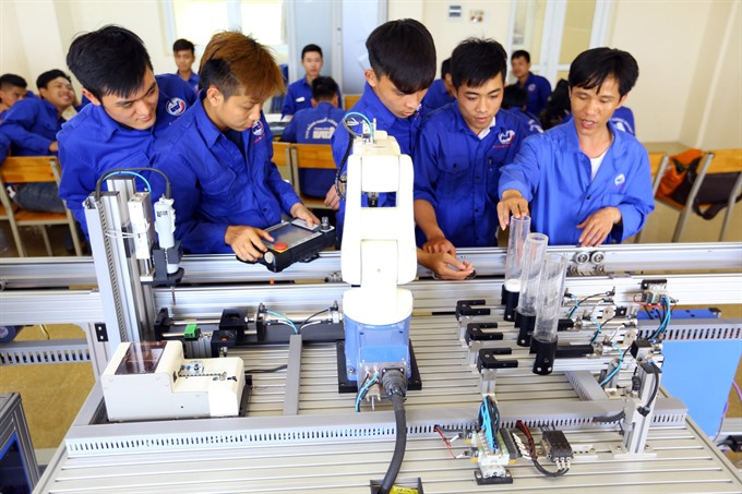 Việt Nam can exploit Industry 4.0: Deputy PM