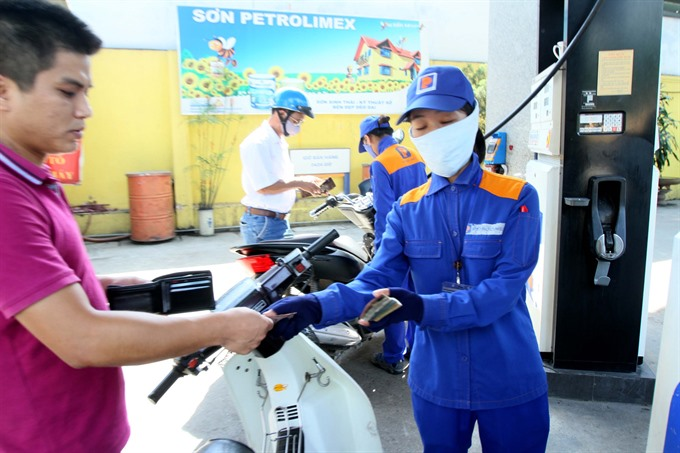 Petrol price rises by VNĐ434 per litre