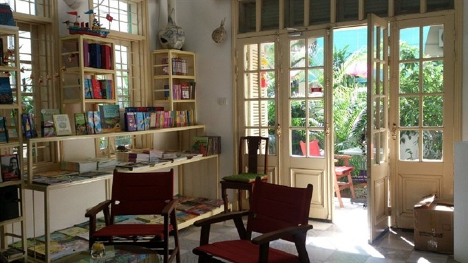 Christmas sale at Bookworm
