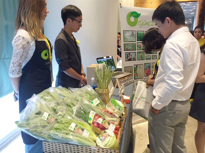 Group focuses on trust in VN food