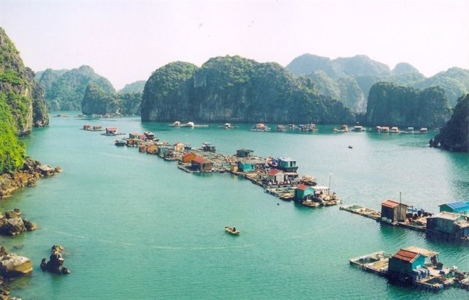 Old floating villages open to tourists