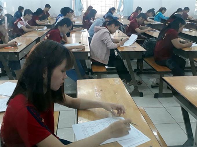HCM City debates teacher training
