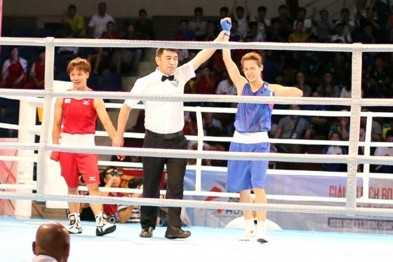 Bằng Duyên win first matches at boxing tourney