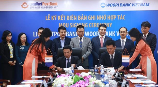 LienVietPostBank and Woori Bank Việt Nam promote co-operation