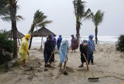 Typhoon Damrey kills 69