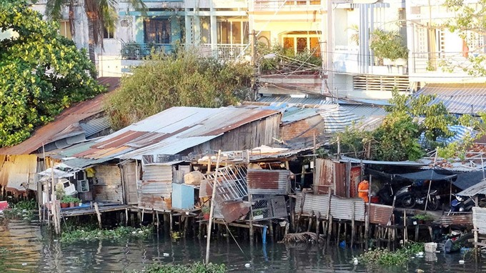 HCM City relocates households living on canals renovates old apartment buildings
