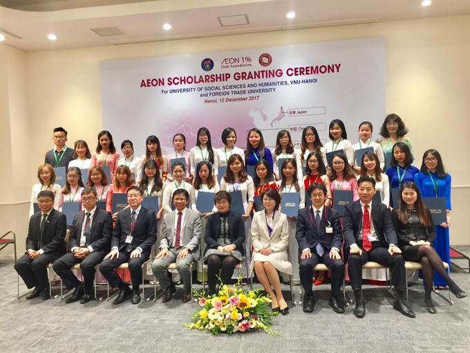 VN students receive AEON Scholarships