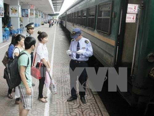 Automatic check-in gates implemented at train stations