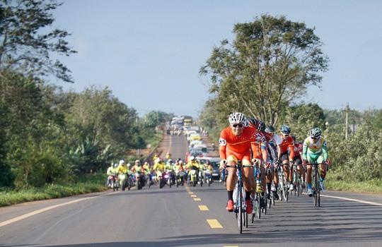 Đại wins fourth stage of Bình Dương race