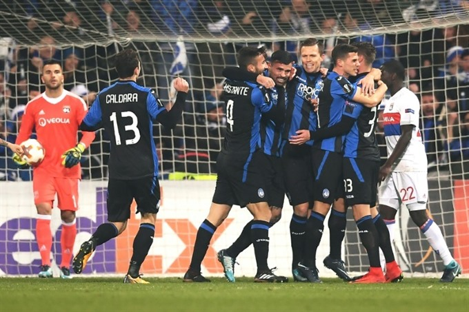 Atalanta beat Lyon to top Europa League group