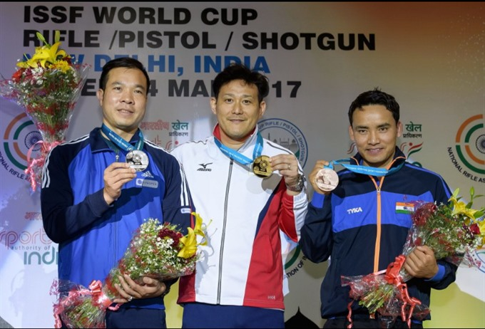 Vinh wins World Cup shooting silver