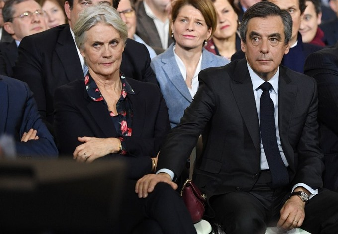 Wife interview deepens woes for Frances Fillon