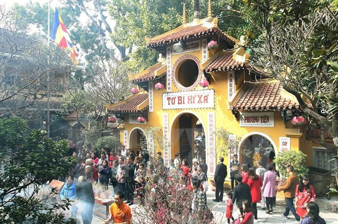 MoIT to penalise officials visiting pagoda during work
