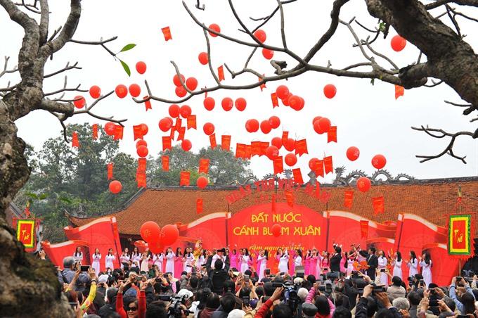 Văn Miếu hosts Poetry Day