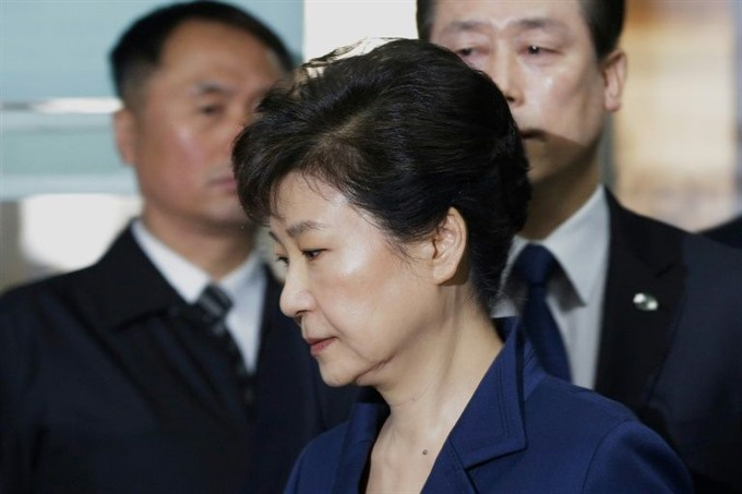 South Koreas ousted leader Park Geun-hye arrested