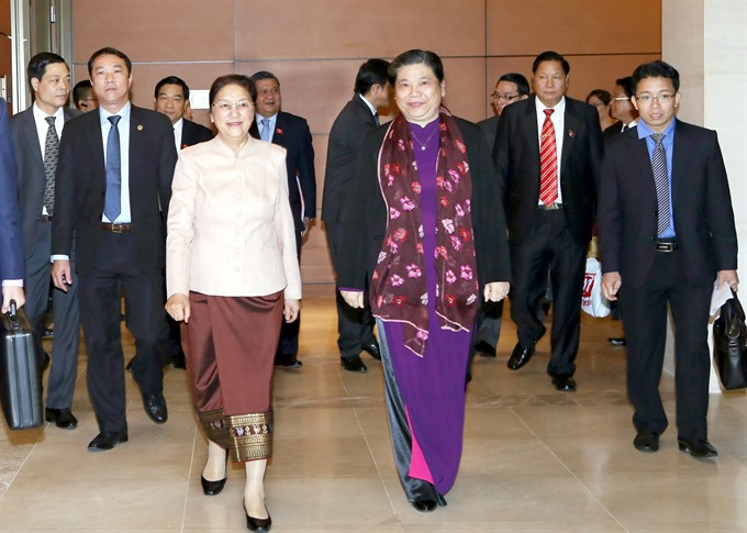 VN Laos discuss decentralisation