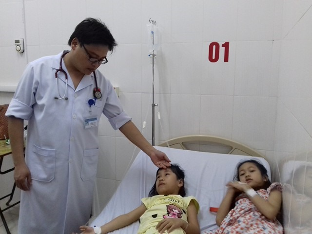 9 students hospitalised over wutong seed poisoning