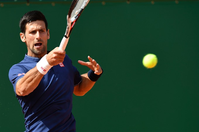 Djokovic through in Monte Carlo after Simon scare