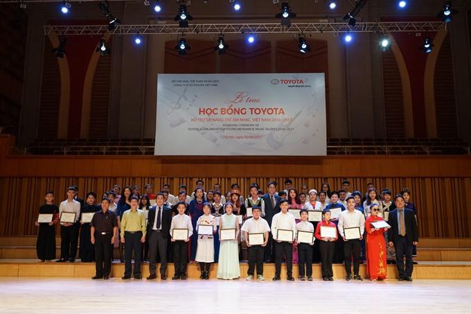 Toyota grants VN music scholarships