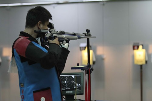 Hoàng Hoà bag golds at shooting cup