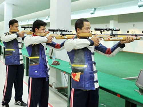 Hanoian Vũ earns two golds at Shooting Cup