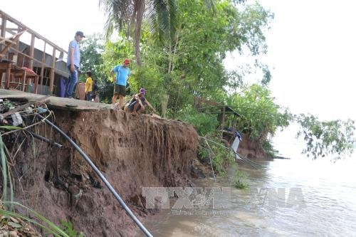 Đồng Tháp extends state of emergency erosion continues